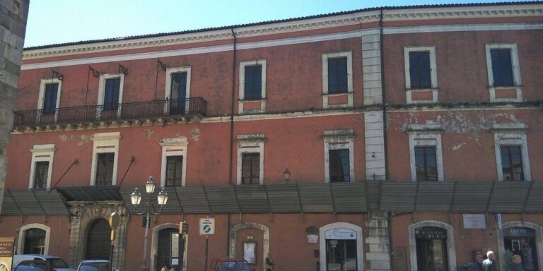 A scuola in un luogo di pregio architettonico: ripartono i lavori nel Palazzo del Seminario ad Atri