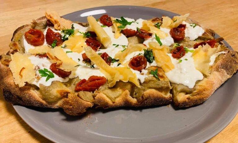 Possibilità di gustare una pizza con vista mozzafiato da Pizzeria Sessantanove.