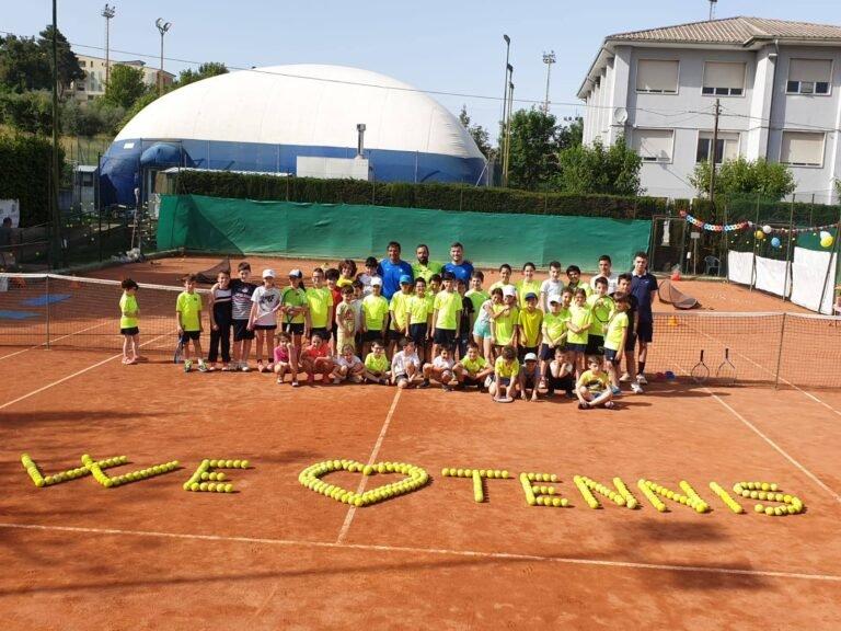 Mosciano, la Scuola Tennis 2020-2021 abbraccia la Rome Tennis Academy
