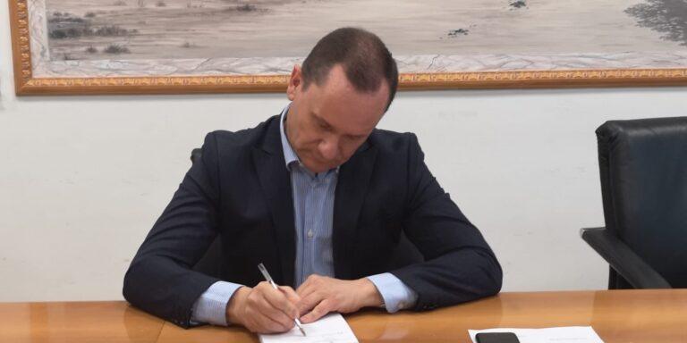 """Roseto, il sindaco denuncia l'Anas: """"Deve rifare l'asfalto lungo la ss 16"""""""