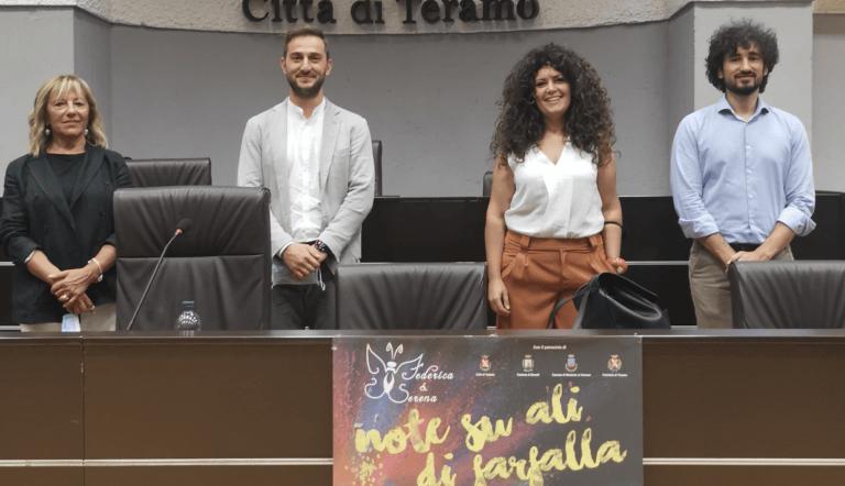 Neri Marcorè a Teramo per permettere acquisto di un busto-parto per il Mazzini