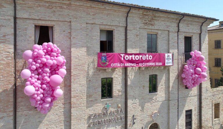 """Tortoreto, conto alla rovescia per il Giro d'Italia: si riparte dai """"Balconi in Rosa"""""""