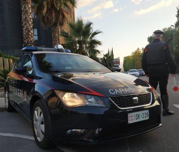 Ladri con gusto nel vestire rubano camice firmate, denunciati dai Carabinieri di Chieti
