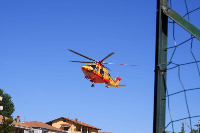 Roseto degli Abruzzi, cade da una scala e finisce in ospedale: è grave