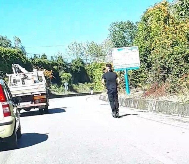 San Nicolò, sui monopattini in un tratto di superstrada FOTO VIDEO