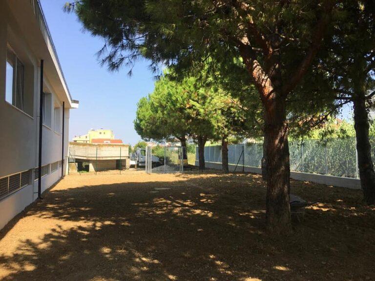 Tortoreto, recinzione e riqualificazione dell'area giochi nella scuola materna