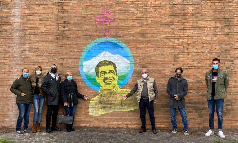 Giro d'Italia, Tortoreto dedica un murale a Franco Franchi: ciclista di Poggio Morello FOTO