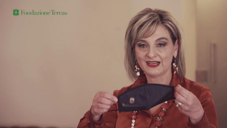 """""""ioindossolamascherina"""": la Fondazione Tercas sensibilizza a proteggersi dal Covid VIDEO"""