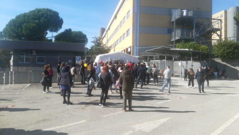 Pescara, Covid: pronto soccorso in tilt