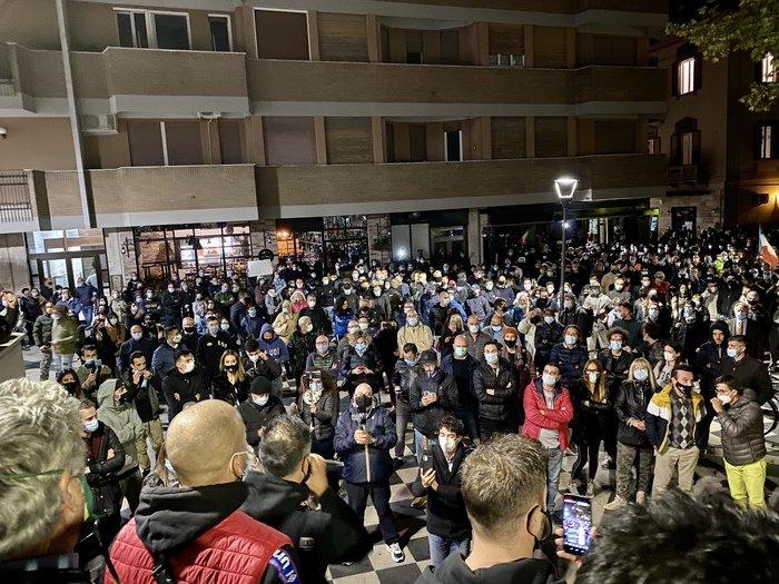 Pescara, chiusure Covid: le proposte di commercianti ed esercenti per la ripartenza