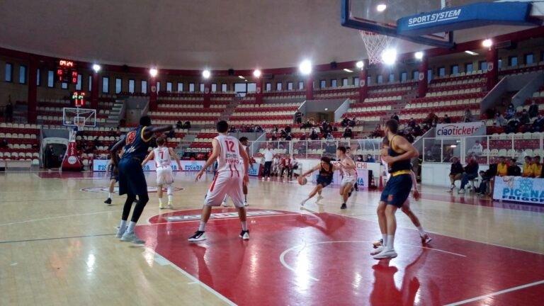 Basket, il derby di Supercoppa al Teramo a Spicchi