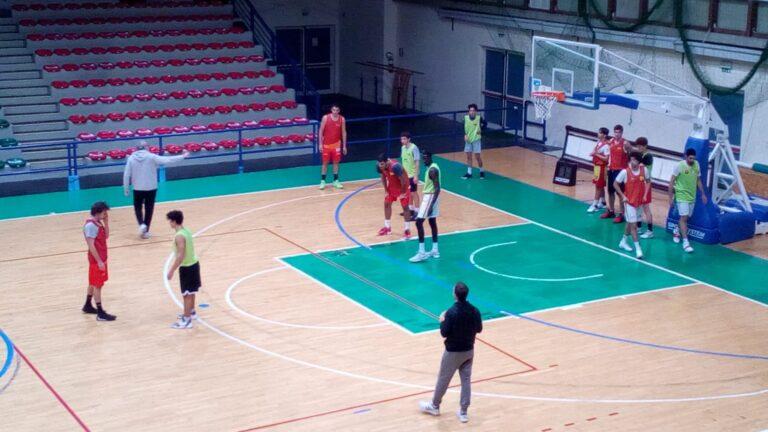 Basket, tutto pronto per il derby tra Teramo e Giulianova
