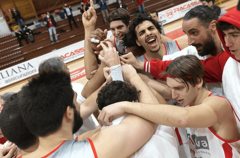 Basket Serie B, per la Teramo a spicchi debutto con successo su Civitanova (77-71)