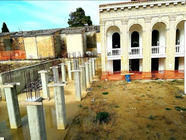 """Atri, Abruzzo Civico al Sindaco: """"Come mai i lavori al cimitero si sono interrotti?"""""""
