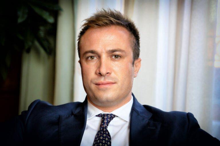 "Giulianova, l'Anpi ritira la tessera al sindaco: ""Si dichiara antifascista ed aderisce a Fratelli d'Italia"""