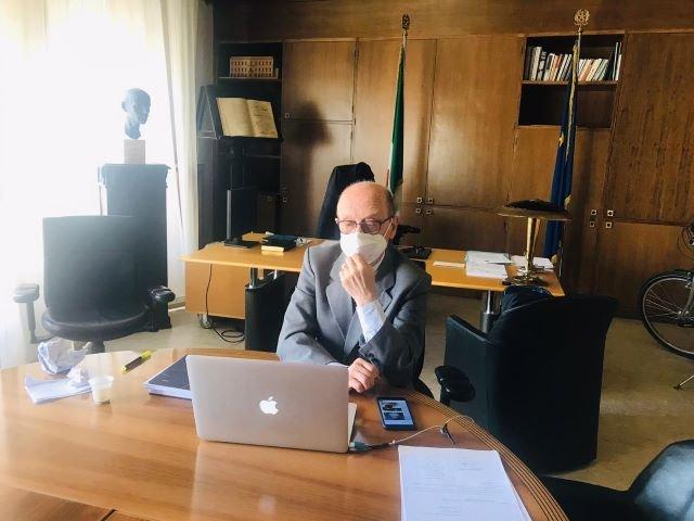 Il sindaco scrive alle direzioni autostradali per potenziare le indicazioni per Chieti