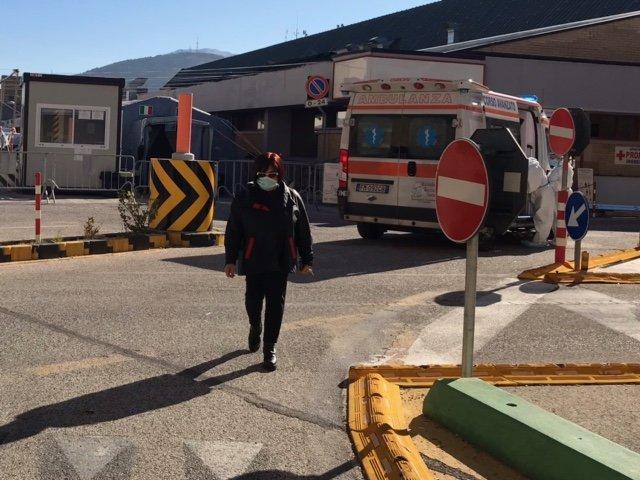 Covid19, ospedali in sofferenza: la situazione a L'Aquila e in Marsica