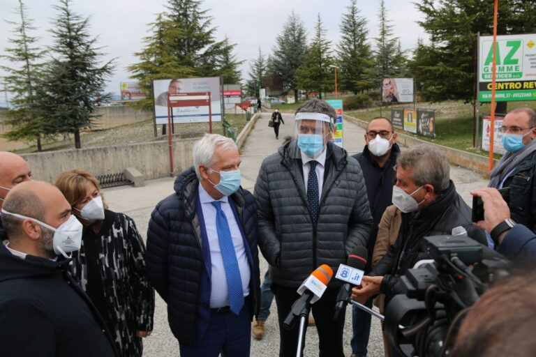 Covid 19: Marsilio visita gli ospedali di Avezzano e Pescina.  Al via lavori lavori per terapia intensiva
