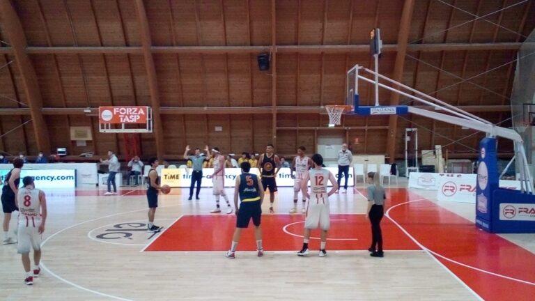 Basket, Giulianova espugna Teramo e vince il derby