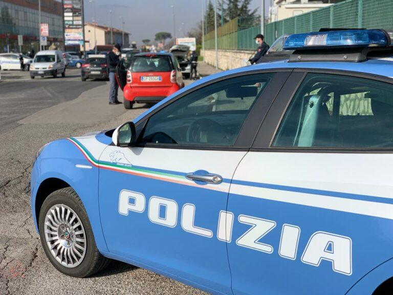 L'Aquila, controlli anti-covid: la polizia interrompe una festa di compleanno