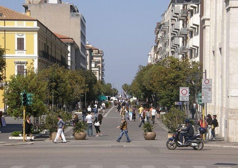 Abruzzo in zona arancione: si anima il centro di Pescara