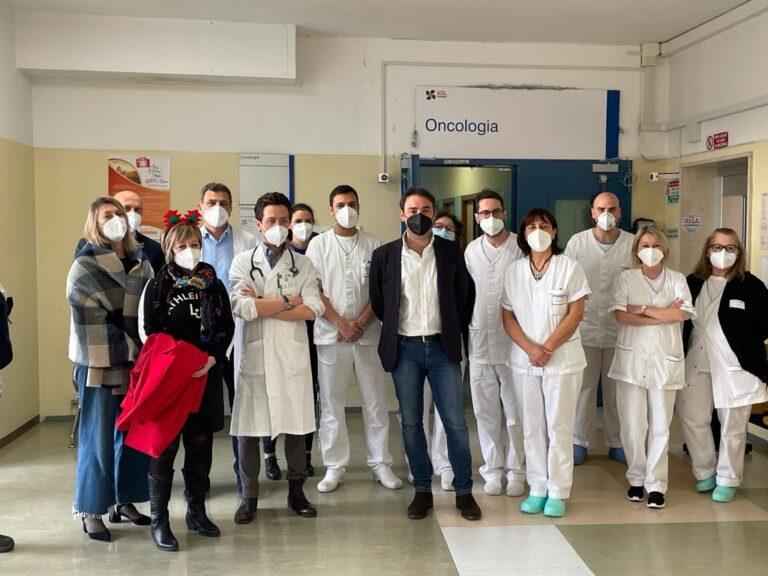 Teramo, il sindaco in visita ai medici ed operatori del Mazzini FOTO