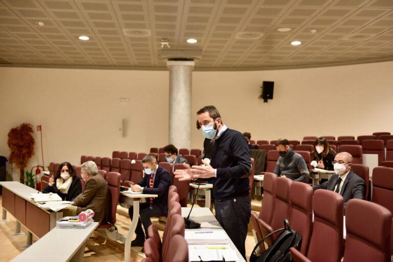 Abruzzo, bilancio arriva in aula: per il Pd è a rischio impugnativa VIDEO