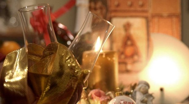 Capodanno in zona rossa: l'Italia si ferma e festeggia in casa. Le ipotesi sulle riaperture di scuole e palestre