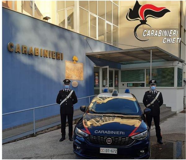 Chieti, si spacciano per corrieri e truffano una ditta: in tre denunciati dai Carabinieri
