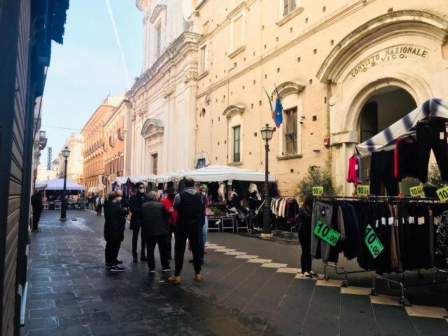 Chieti, mercati: prorogata l'ordinanza per le vendite in zona rossa
