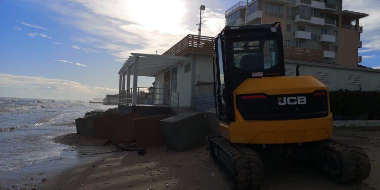 Silvi, in 5 anni cancellati 30 metri di spiaggia nel tratto sud FOTO