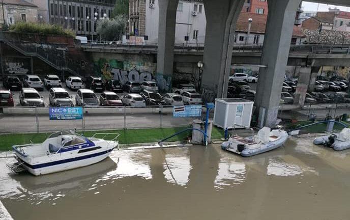 Pescara, dragaggio urgente ma il fiume preoccupa-FOTO