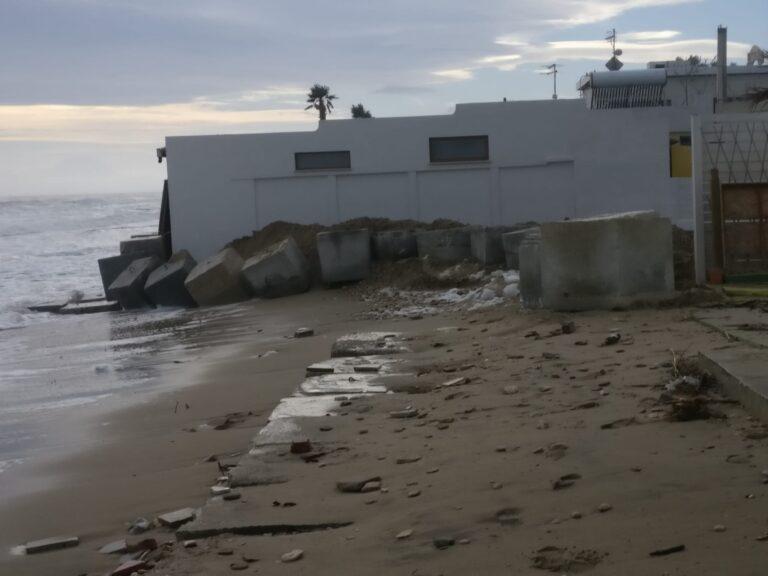 Alba Adriatica, preoccupazione nella zona nord per la mareggiata in arrivo FOTO