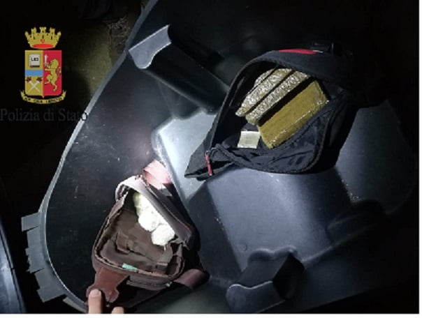 Pescara, a spasso con il cane ma spacciava: arrestato con mezzo chilo di droga