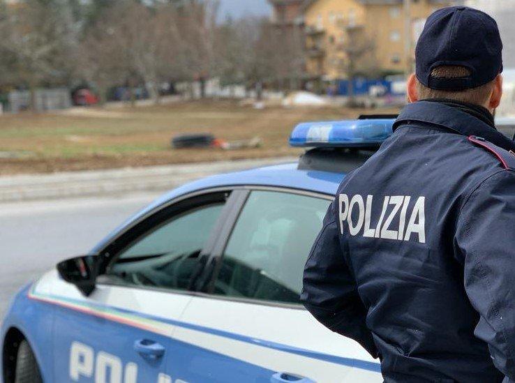 L'Aquila, controllo stradale: fermato con dosi di cocaina