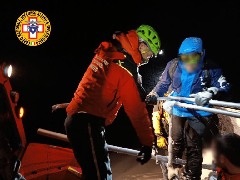 Campo Imperatore: 5 giovani sciatori perdono l'orientamento. Recuperati nella notte