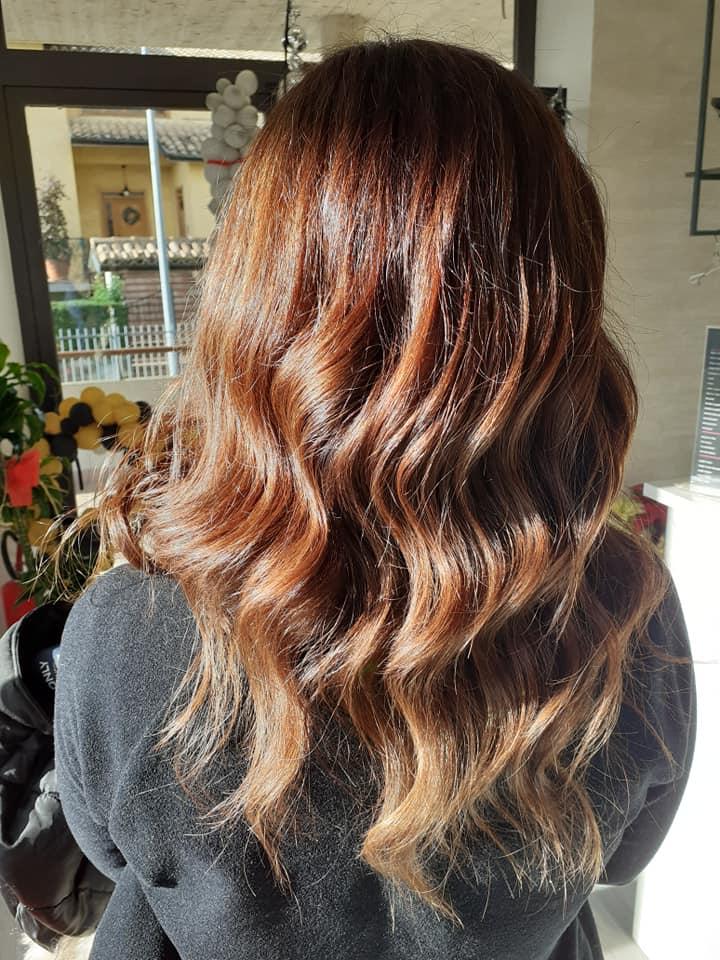Elisa Hair Style la parrucchiera in grado di far brillare i tuoi capelli!