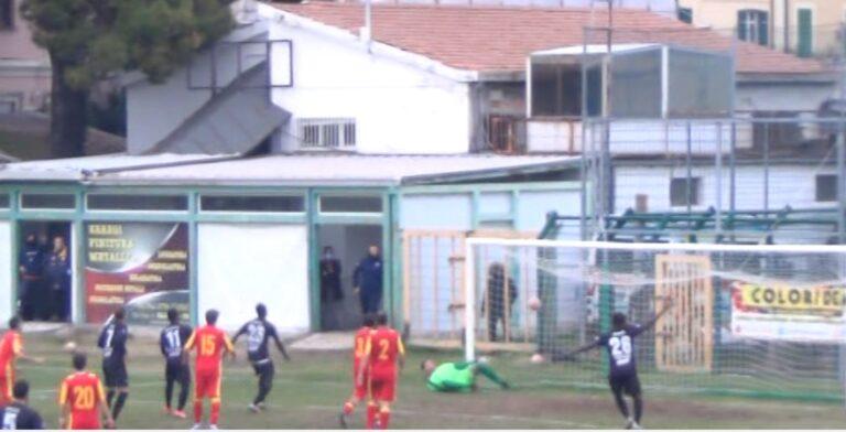 Serie D Gir. F: Giulianova-Aprilia 0-1. Decide una gran punizione dell'ex juventino Olivera