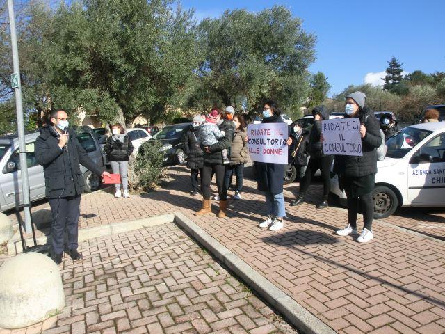 Francavilla, flash mob per la riapertura del Consultorio familiare VIDEO