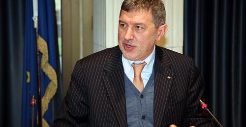 Abruzzo, la richiesta di Marsilio: più vaccini e somministrare solo la prima dose