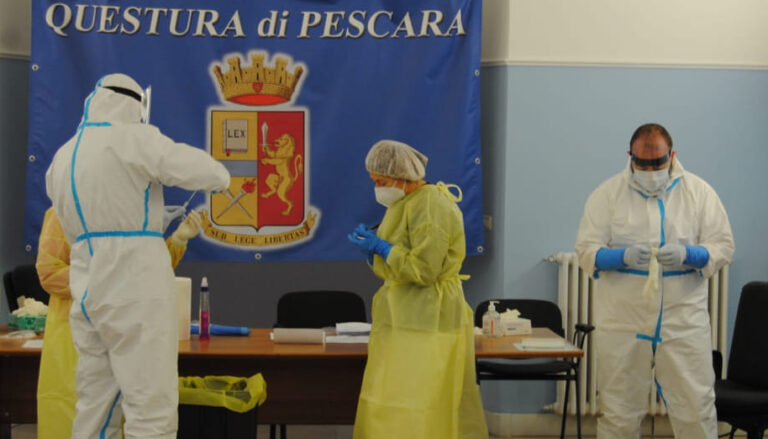 Pescara, screening covid in questura: 250 test negativi
