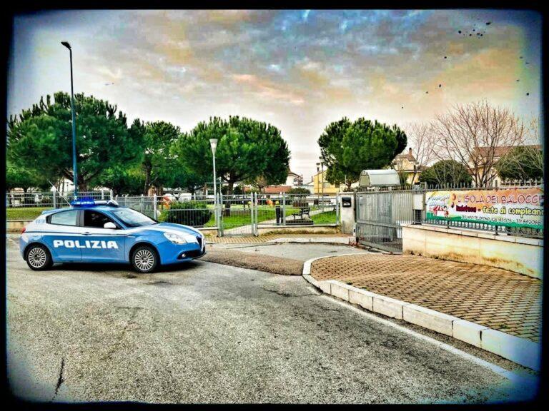 Pescara, spacciano al parco: presi 2 giovani in via Tirino