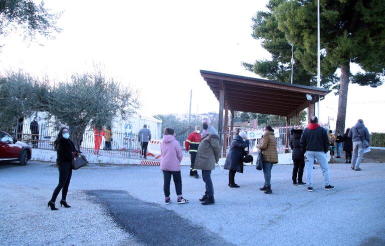 Covid, partito lo screening di massa nel pescarese: 11 positivi a Collecorvino, 1 a Montesilvano