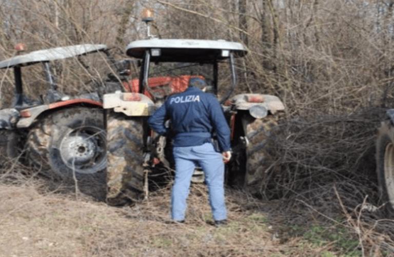 Mosciano, trattori rubati nascosti nel capannone: la scoperta FOTO