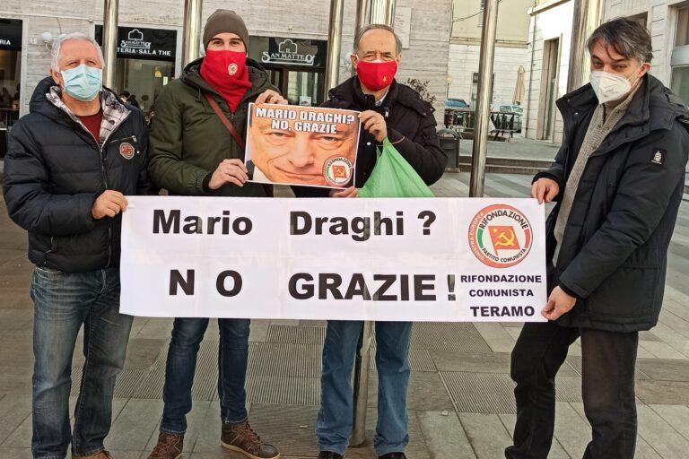 Teramo, il secco no di Rifondazione Comunista a Mario Draghi VIDEO