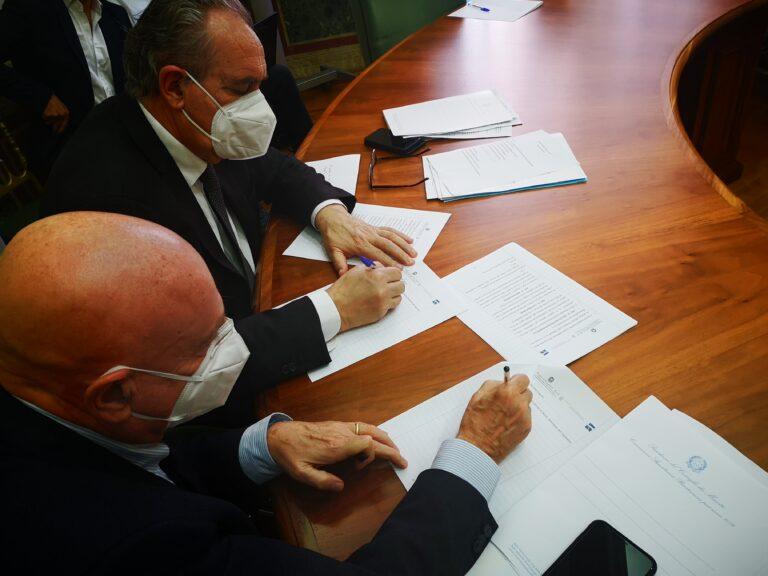 Ricostruzione sicura: firmato accordo tra il commissario e l'autorità di bacino