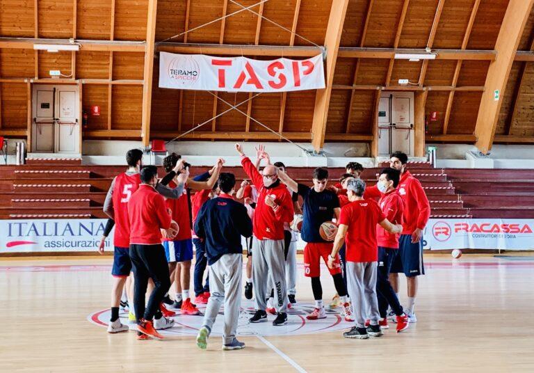 Basket, quarto stop consecutivo per la Teramo a Spicchi