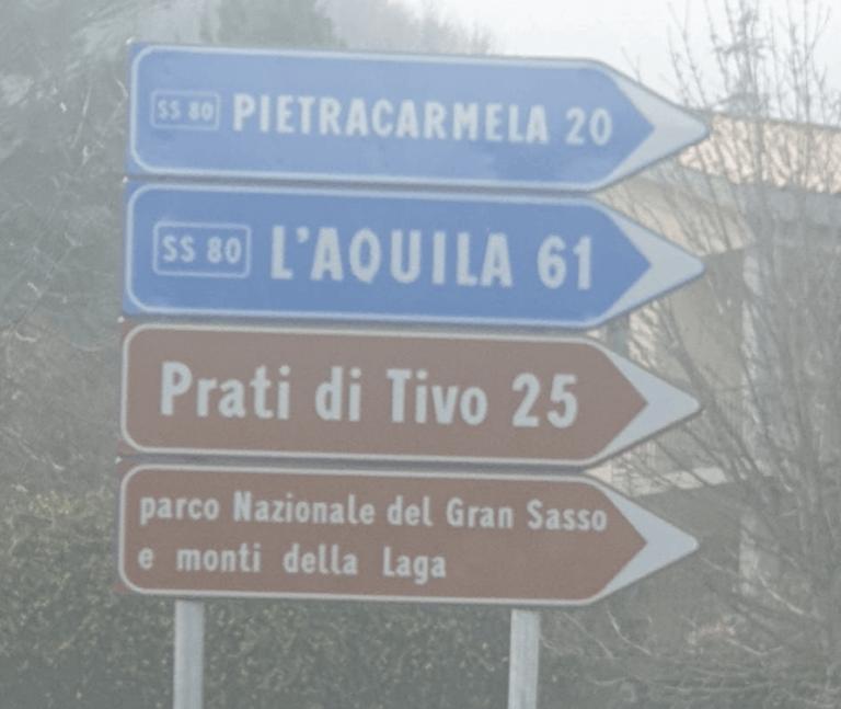 """Montorio, l'indicazione stradale per """"Pietracarmela"""" FOTO"""