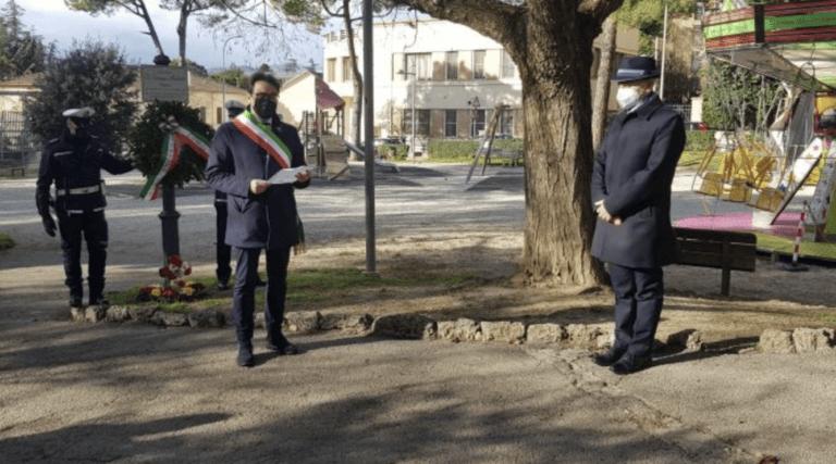 Teramo, Giornata del Ricordo: deposta corona nei Giardini Micheletti