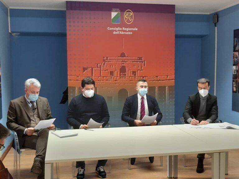 """Nuova rete ospedaliera in Abruzzo. Coro di critiche: """"un grande bluff"""" VIDEO"""